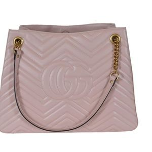 Gucci Bags - Gucci 453569 Pink Chevron Leather Marmont Purse 8b468bc7335f5